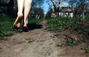 bare-feet-on-the-ground-grounding-earthing